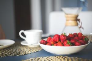 fresh-organic-strawberry-in-white-bowl (2)