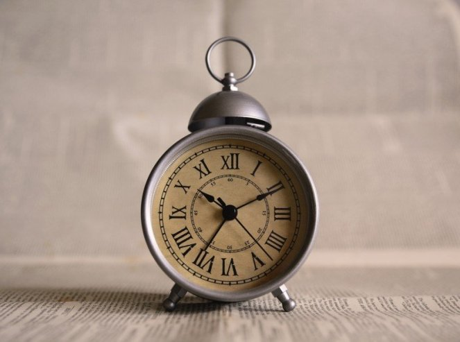 clock-time-alarm-vintage